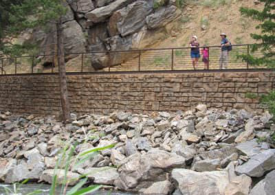 Ledgestone Retaining Wall 3